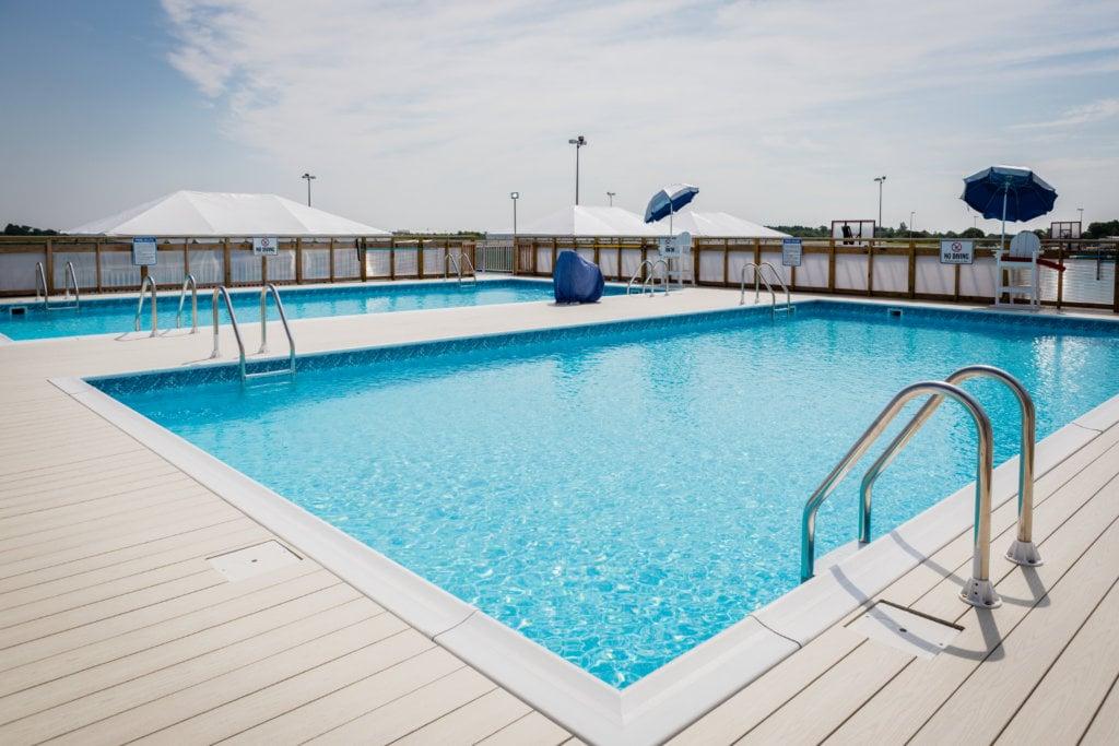 Private pool party rental in brooklyn pool parties at - Fotos de piscinas ...